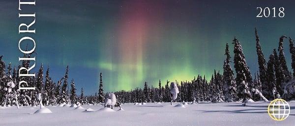 Lunta oksissa, loistetta taivaalla