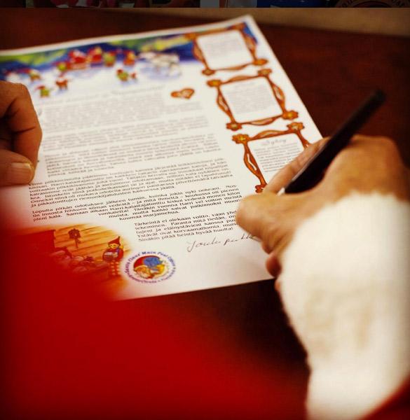 Joulupukki kirjoittaa kirjettä